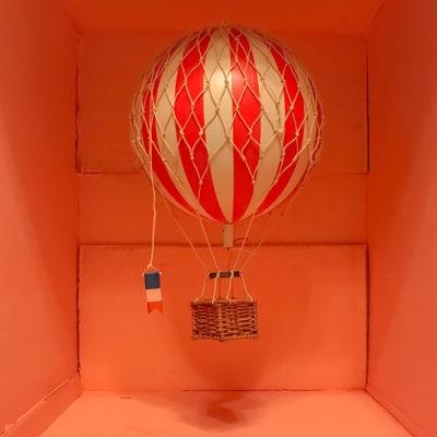 AUTHENTIC MODELS Ballon